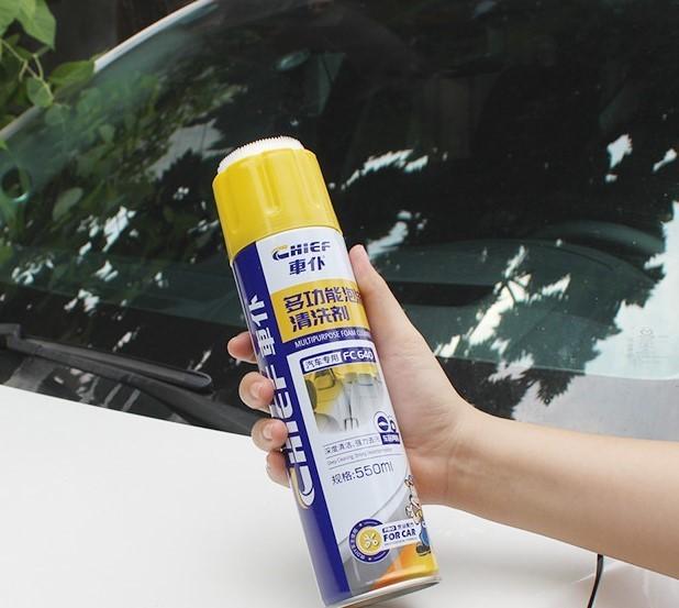 Chai bọt tẩy rửa vệ sinh xe ô tô Chief 550ml