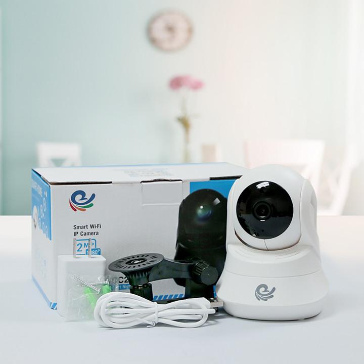 Camera Wifi Ip Quan Sát Trong Nhà Model CC2022 - Xoay Theo Chuyển Động - Có Cổng LAN & USB - Đàm Thoại 2 Chiều - Tích Hợp Hồng Ngoại Kèm Thẻ 32GB - Hàng Nhập Khẩu