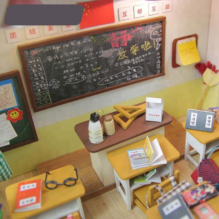 Mô hình Nhà búp bê Lớp học có kèm keo dán,dụng cụ lắp ghép, mica