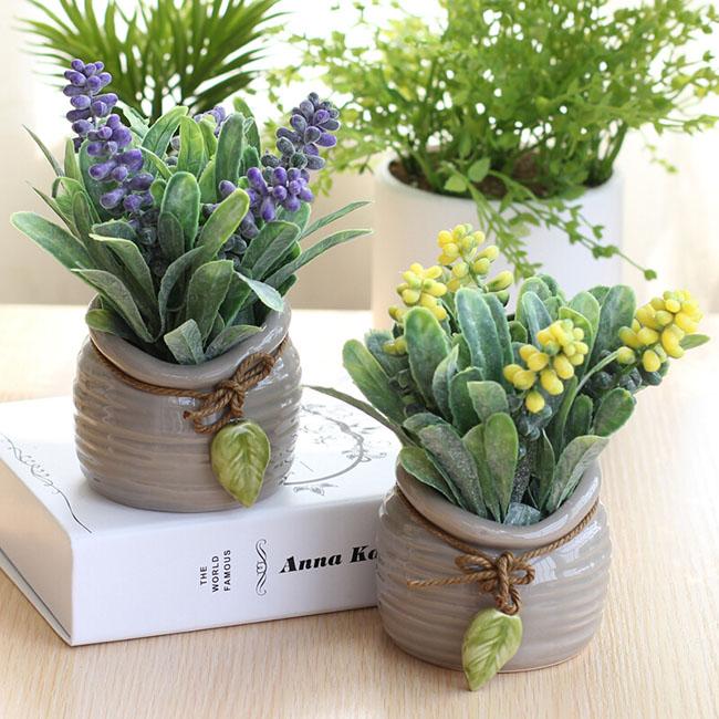 Chậu hoa trang trí hoa trân châu phong cách minimalism để bàn