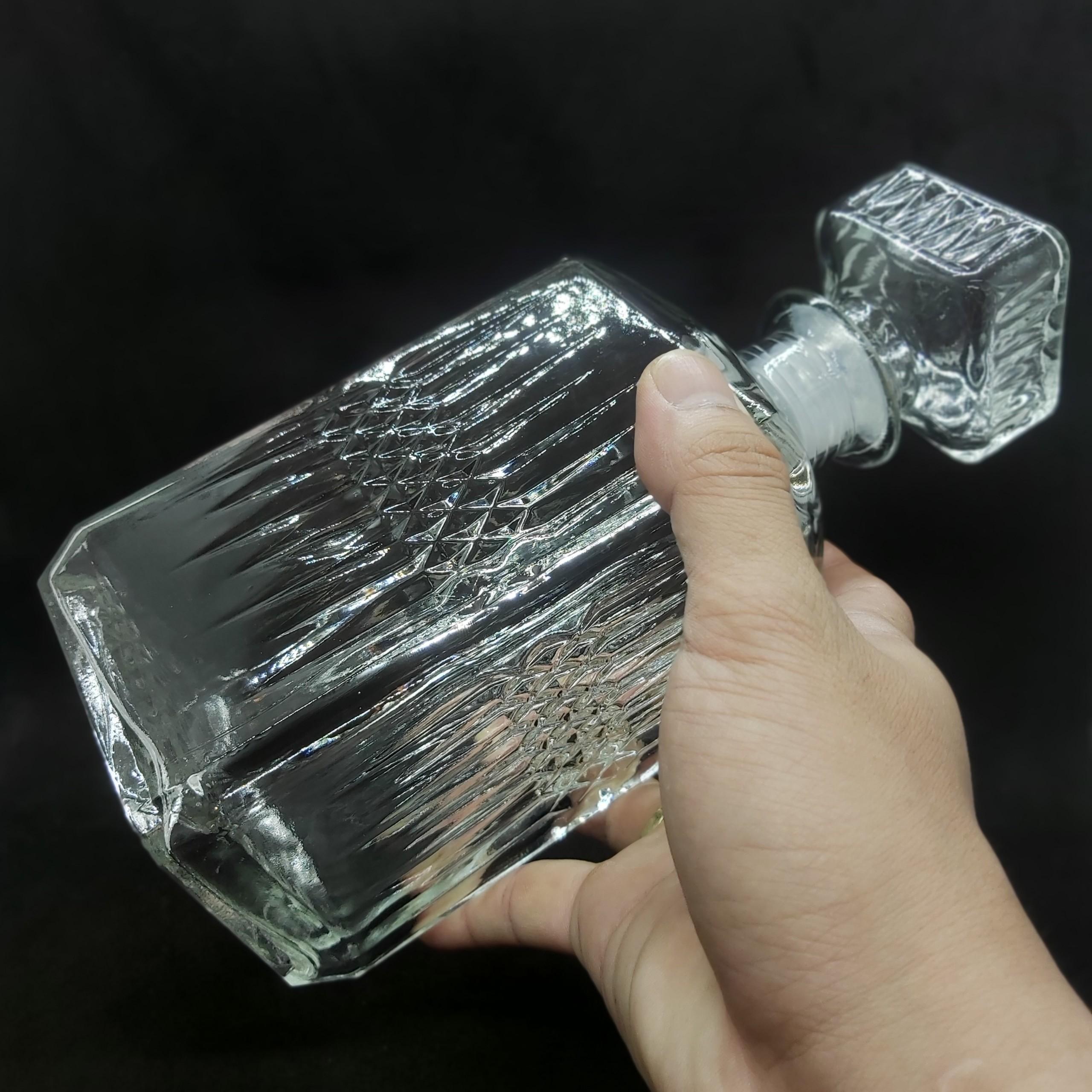 Chai Thủy Tinh đựng Rượu cao cấp 1000ML VUÔNG họa tiết Gân KIM CƯƠNG nổi – Vỏ Chai rượu 1 lít, bình rượu thủy tinh siêu trong