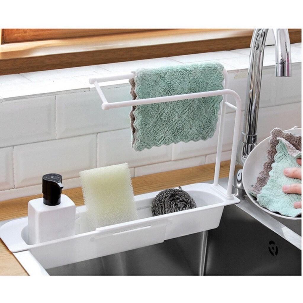 Kệ nhựa dài CO DÃN để bồn đựng đồ rửa chén, có khay treo khăn lau tay nhà bếp mới - giao màu ngẫu nhiên