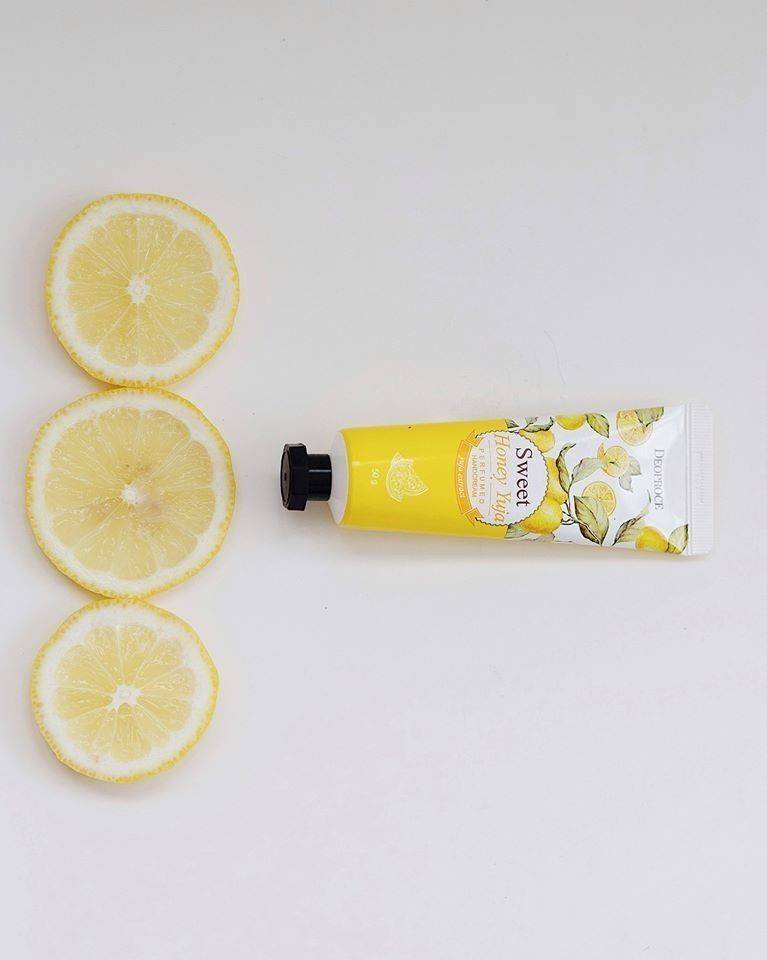 Kem dưỡng da tay Deoproce Sweet Honey Yuja Perfumed Hand Cream 50g
