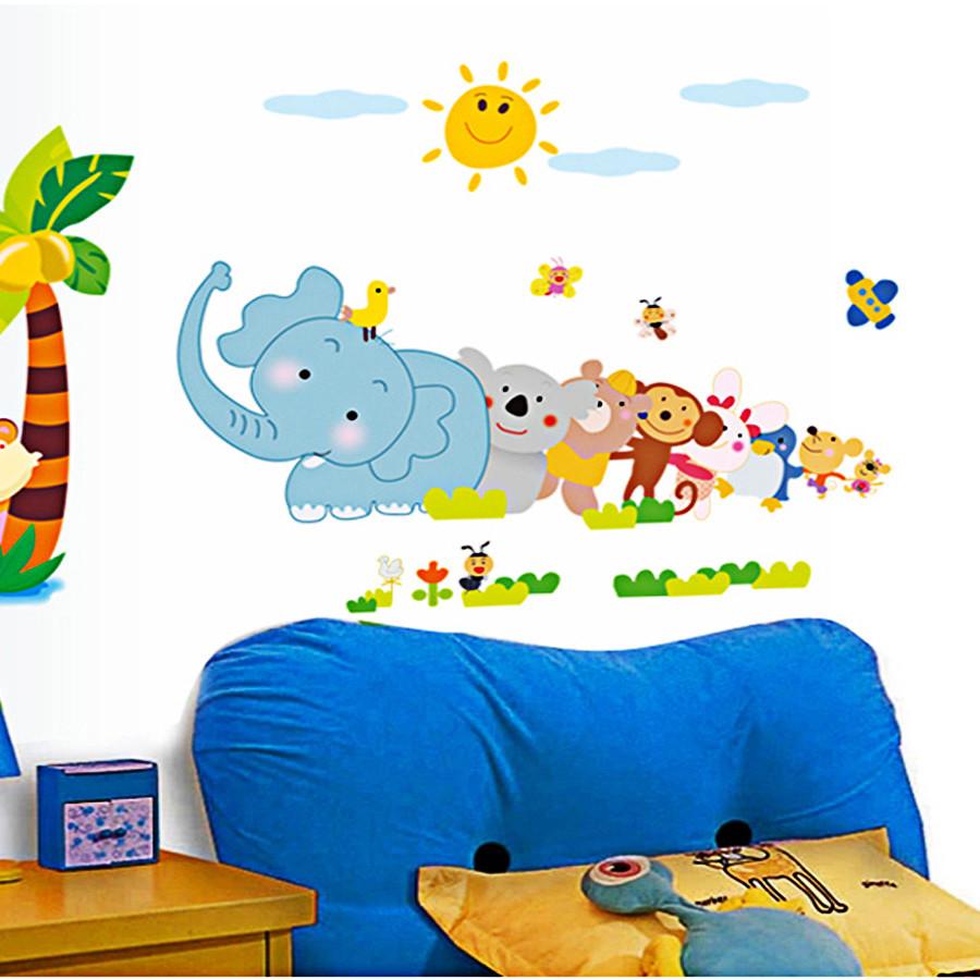 Decal dán tường cây dừa voi xanh và bầy thú ngộ nghĩnh
