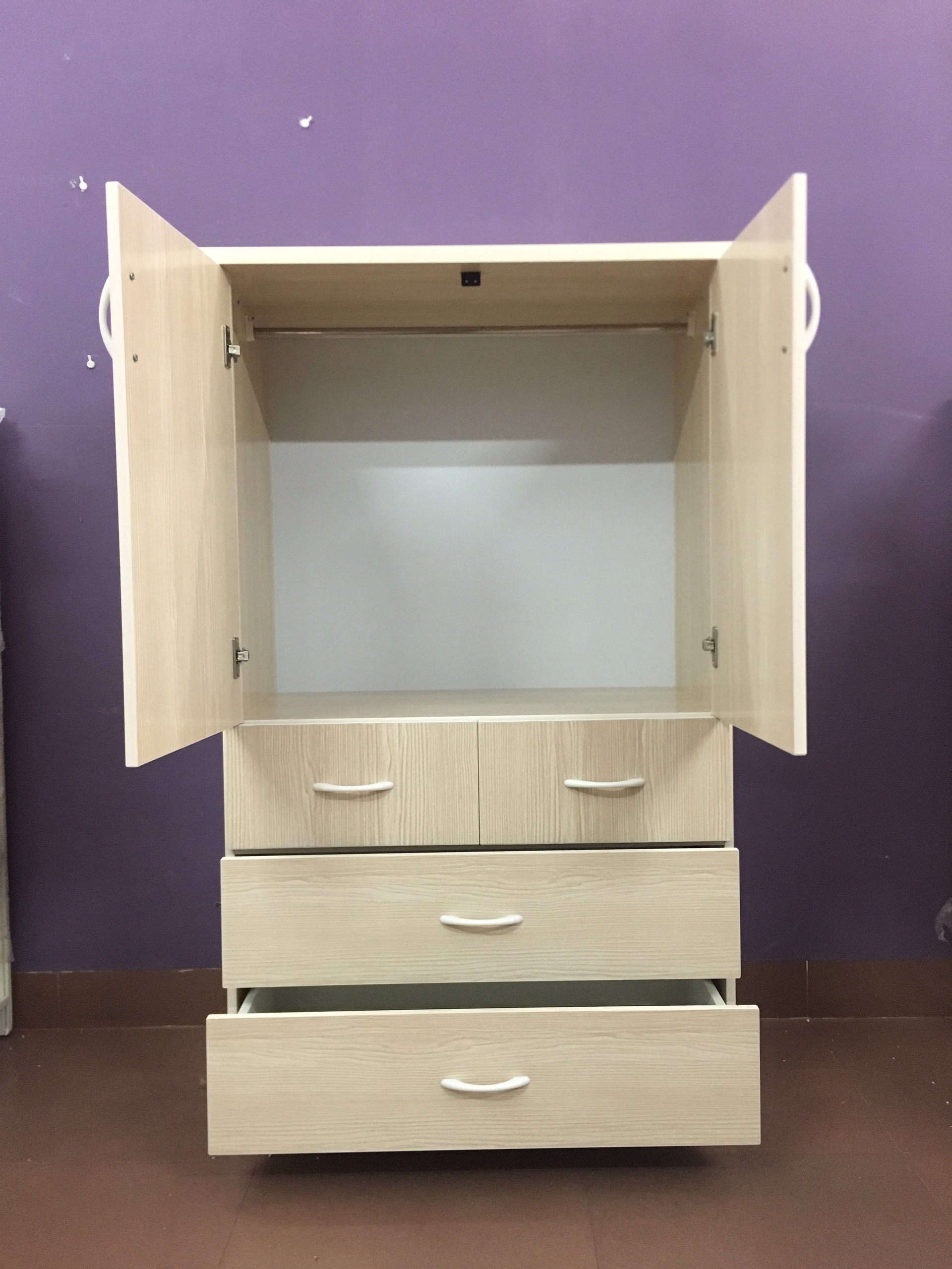 Tủ nhựa 2 cánh 4 ngăn kéo màu vân gỗ sồi (cao 1m35 x rộng 85cm x sâu 45m)