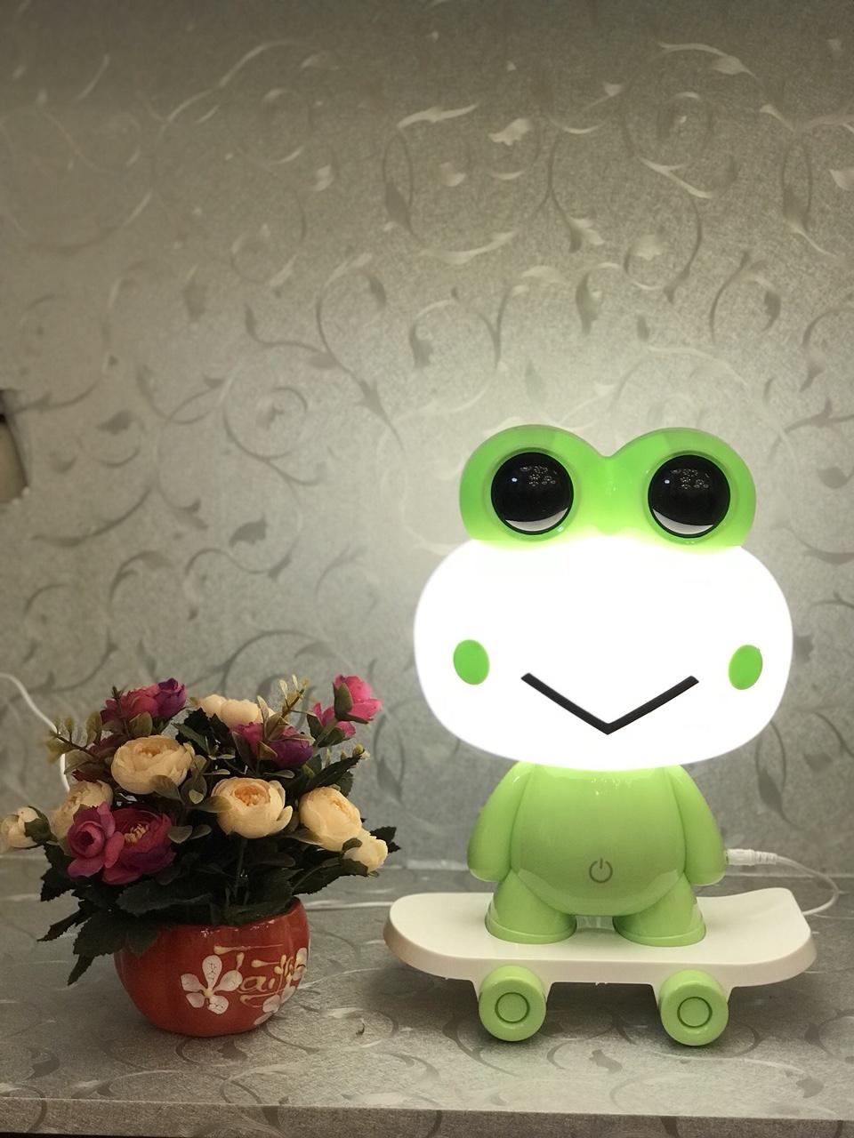 Đèn ngủ - đèn bàn cute dễ thương cho trẻ em - đèn ngủ hình ếch mini cho bé MB888