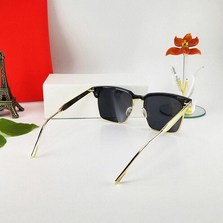 Kính xinh, Kính râm, Kính mát Mắt vuông basic cho Nam + tặng Tuavit Kính Xinh mini