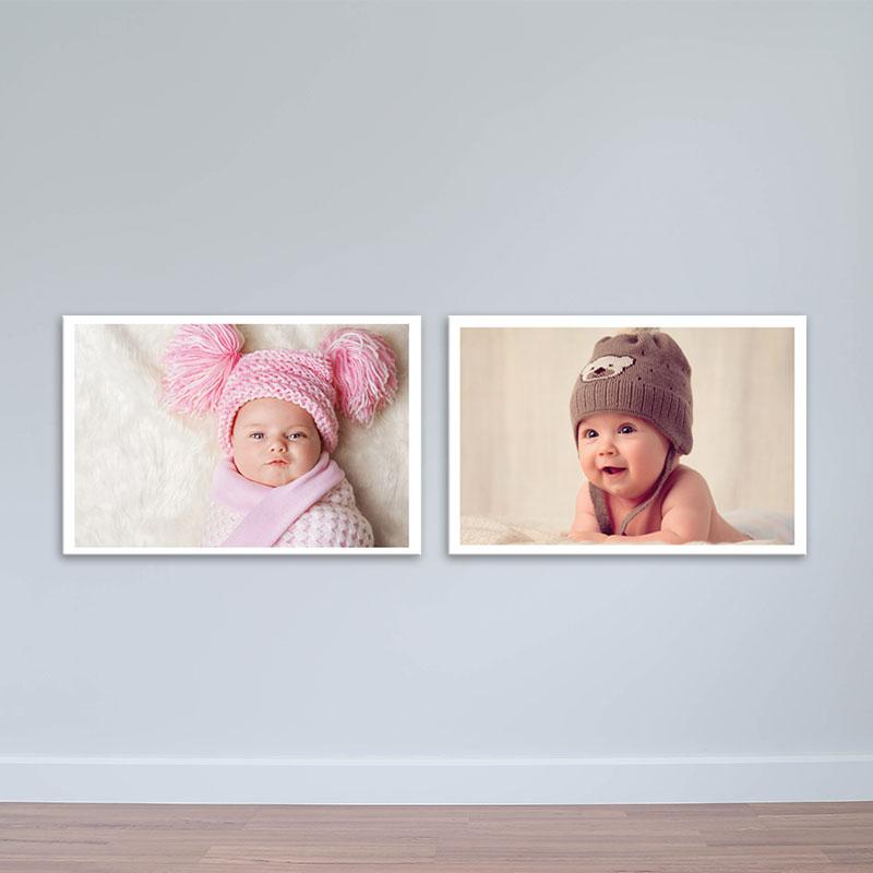 Bộ 2 tranh treo tường hình em bé đội mũ len W1950