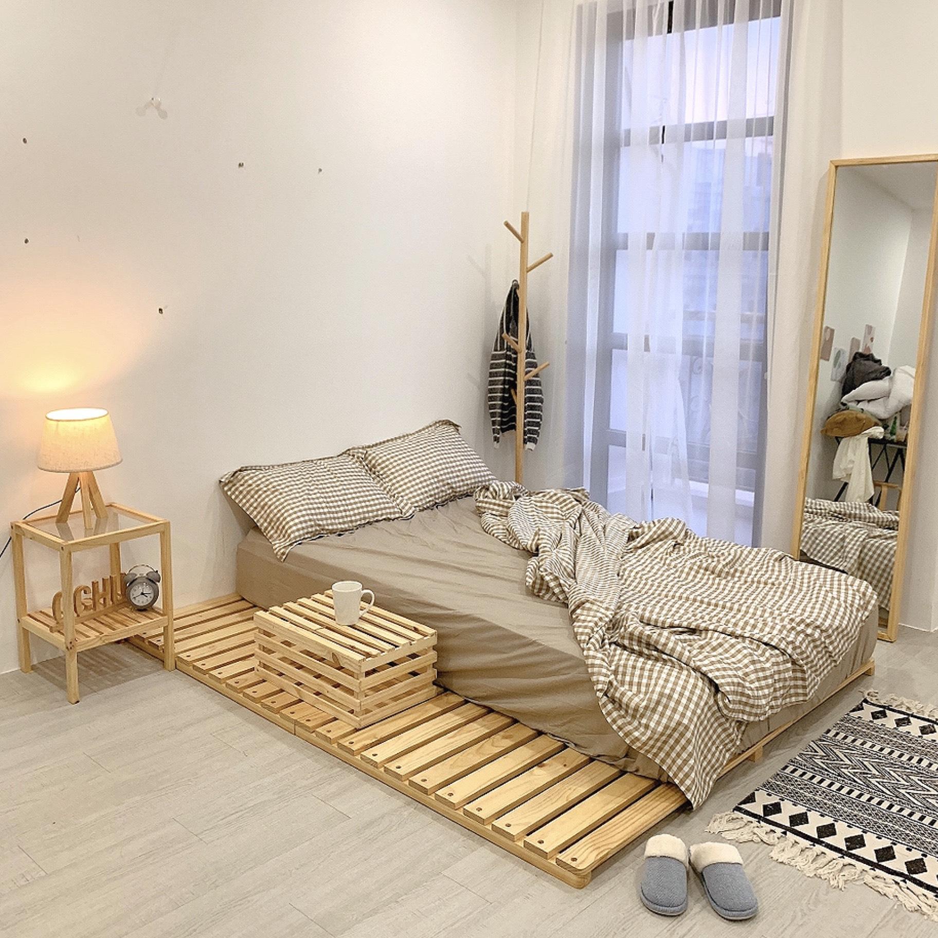 Giường Ngủ Pallet Gỗ Thông OCHU - Nancy Bed - Natural