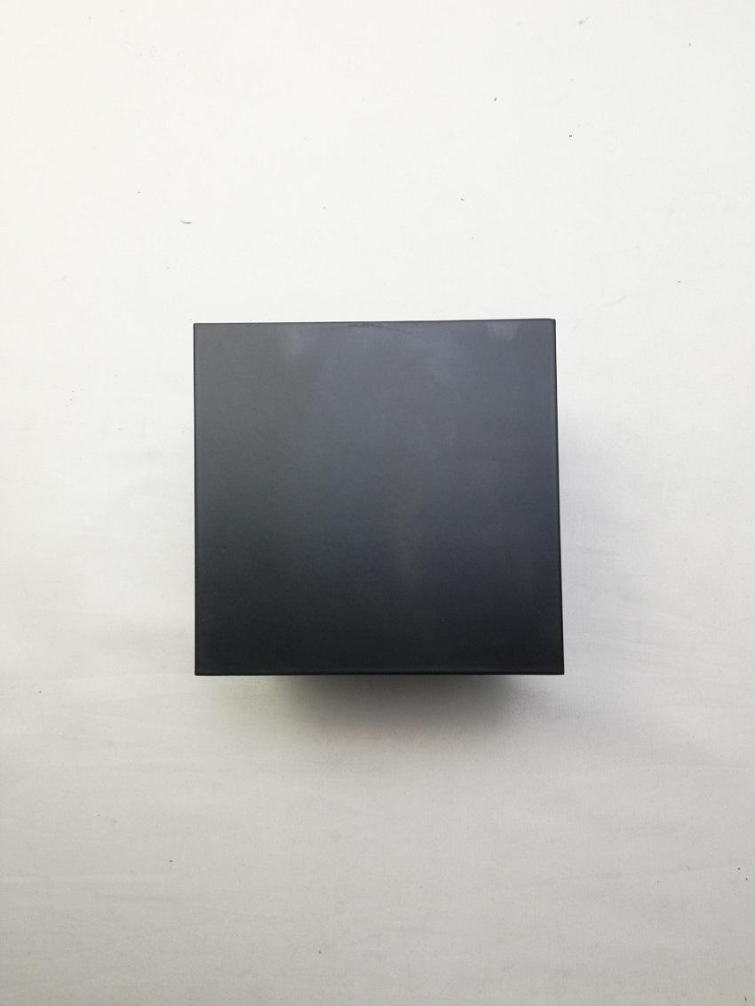 Đèn led gắn tường 2 đầu vuông màu đen