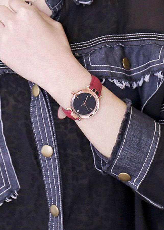 Đồng hồ nữ mặt kính vát hình kim cương 3D dây da lộn thời trang DLR04 (dây đỏ)