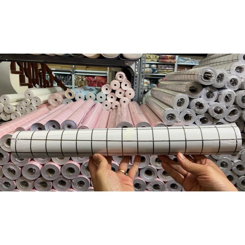 Cuộn 10M Giấy dán tường GDT21 - SỌC ĐEN BE có sẵn keo rộng 45cm (tự thi công) dùng cho đủ loại bề mặt sơn, gỗ, kim loại với diện tích hoàn thiện đến 4m2 giúp không gian trở nên mới mẻ, sinh động
