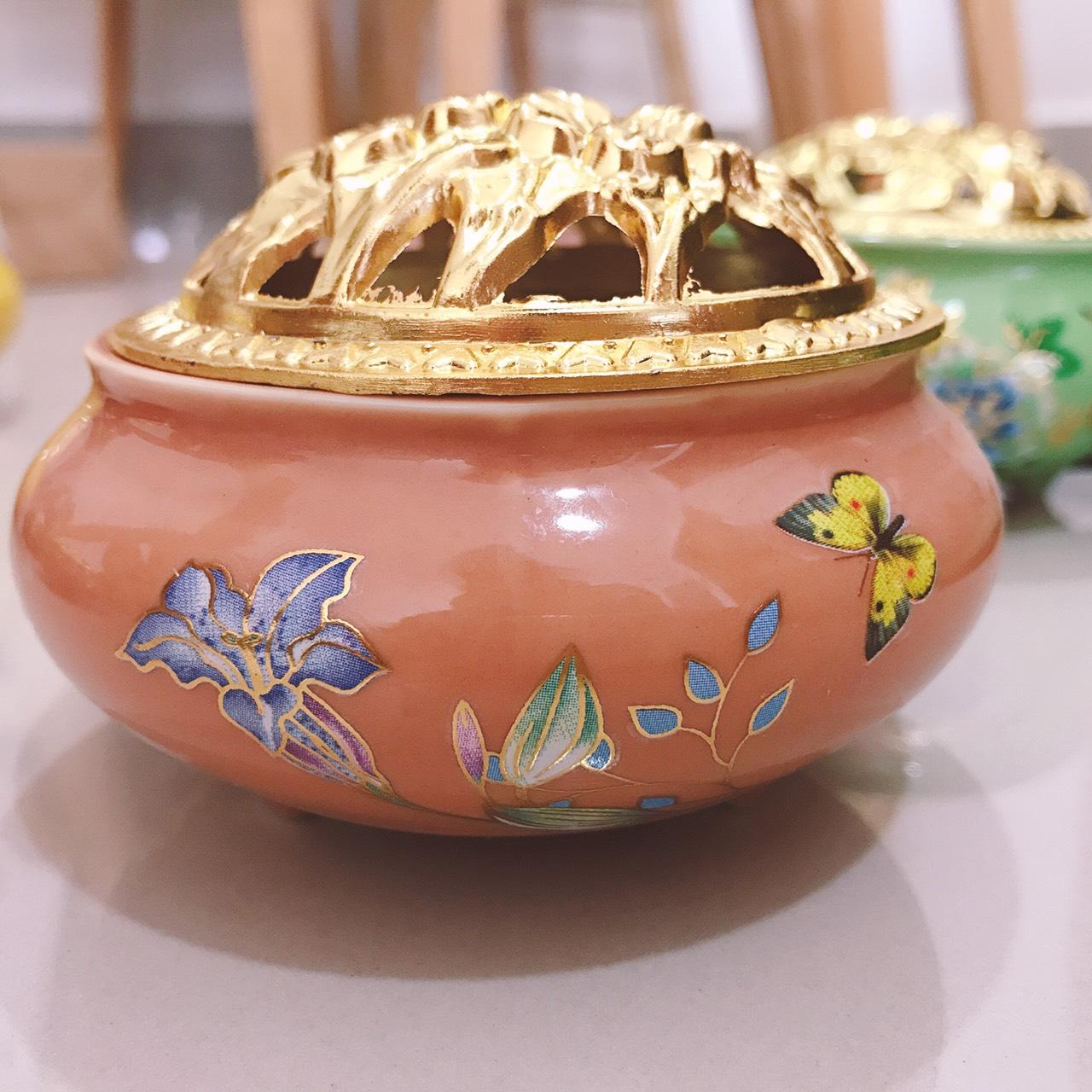 Lư xông trầm hương đỉnh đốt nhang viền chỉ vàng(màu ngẫu nhiên)