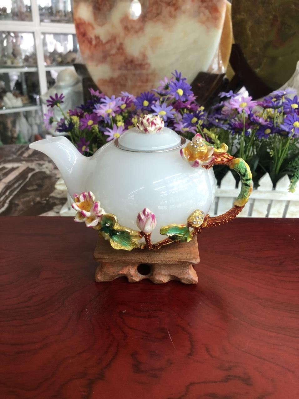 Bộ ấm trà chạm hoa sen đá bạch ngọc