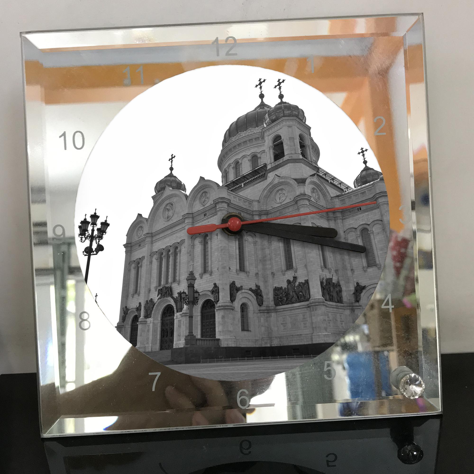 Đồng hồ thủy tinh vuông 20x20 in hình Cathedral Of Christ the saviour (12) . Đồng hồ thủy tinh để bàn trang trí đẹp chủ đề tôn giáo