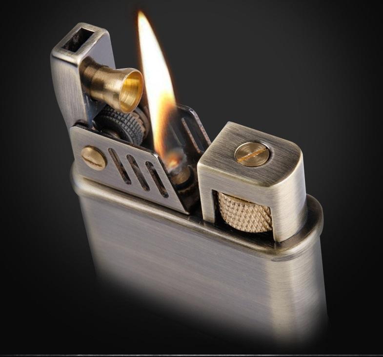 Bật lửa xăng đá Z540 chất liệu đồng nguyên khối