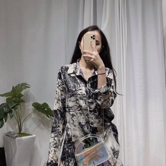 áo sơ mi nữ họa tiết loang phong cách