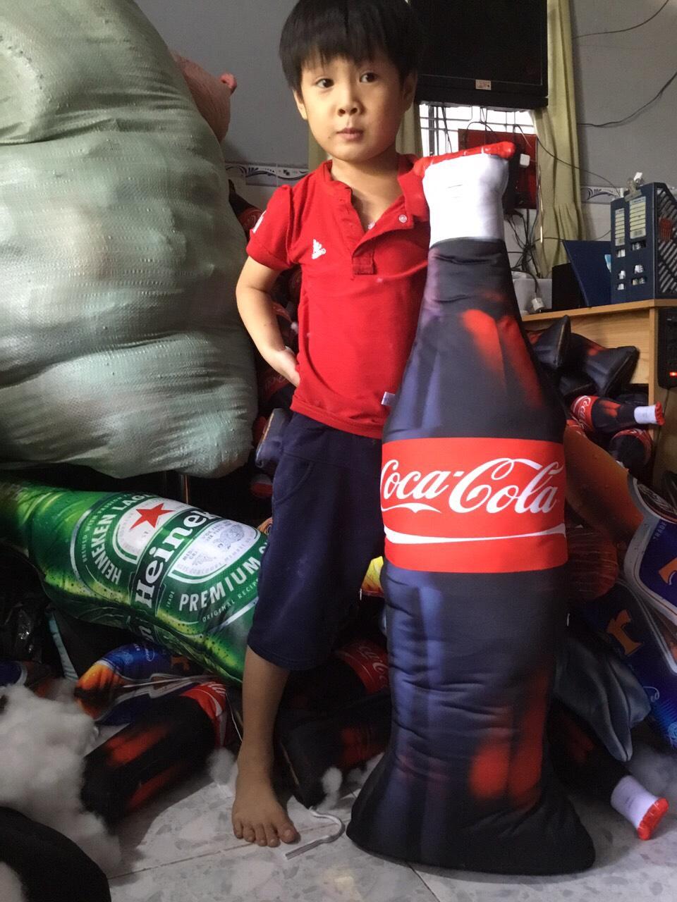 Gối Ôm Hình Chai Coca Quà Tặng In Hình Đồ Uống Trẻ Em Yêu Thích Giống Thật
