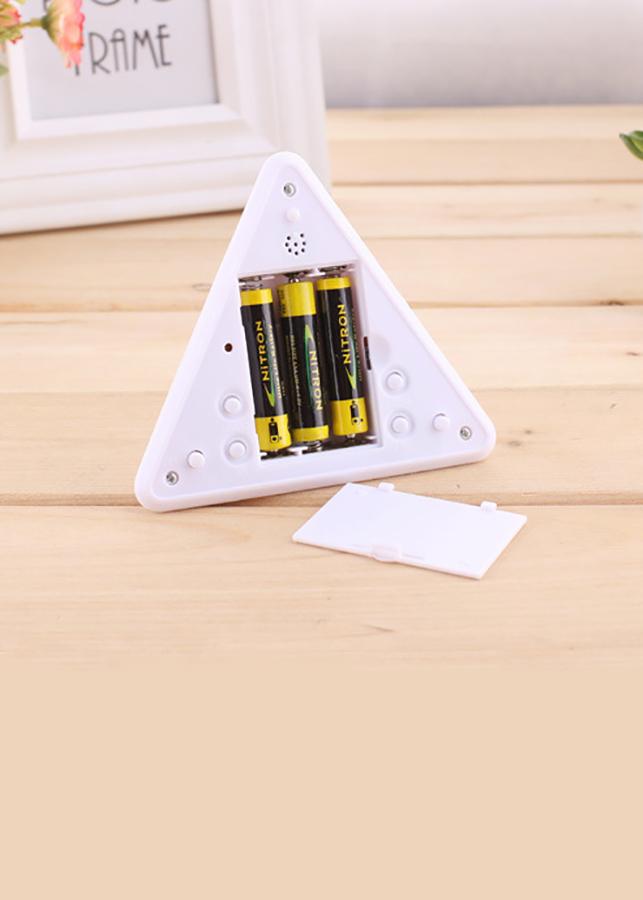 Combo 2 đồng hồ led kim tự tháp DH 1057