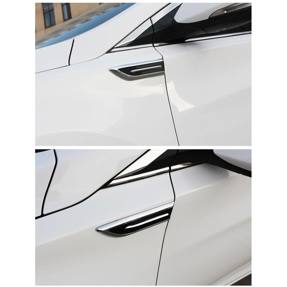 Bộ 2 miếng mang cá giả hốc gió dán trang trí sườn ô tô xe hơi
