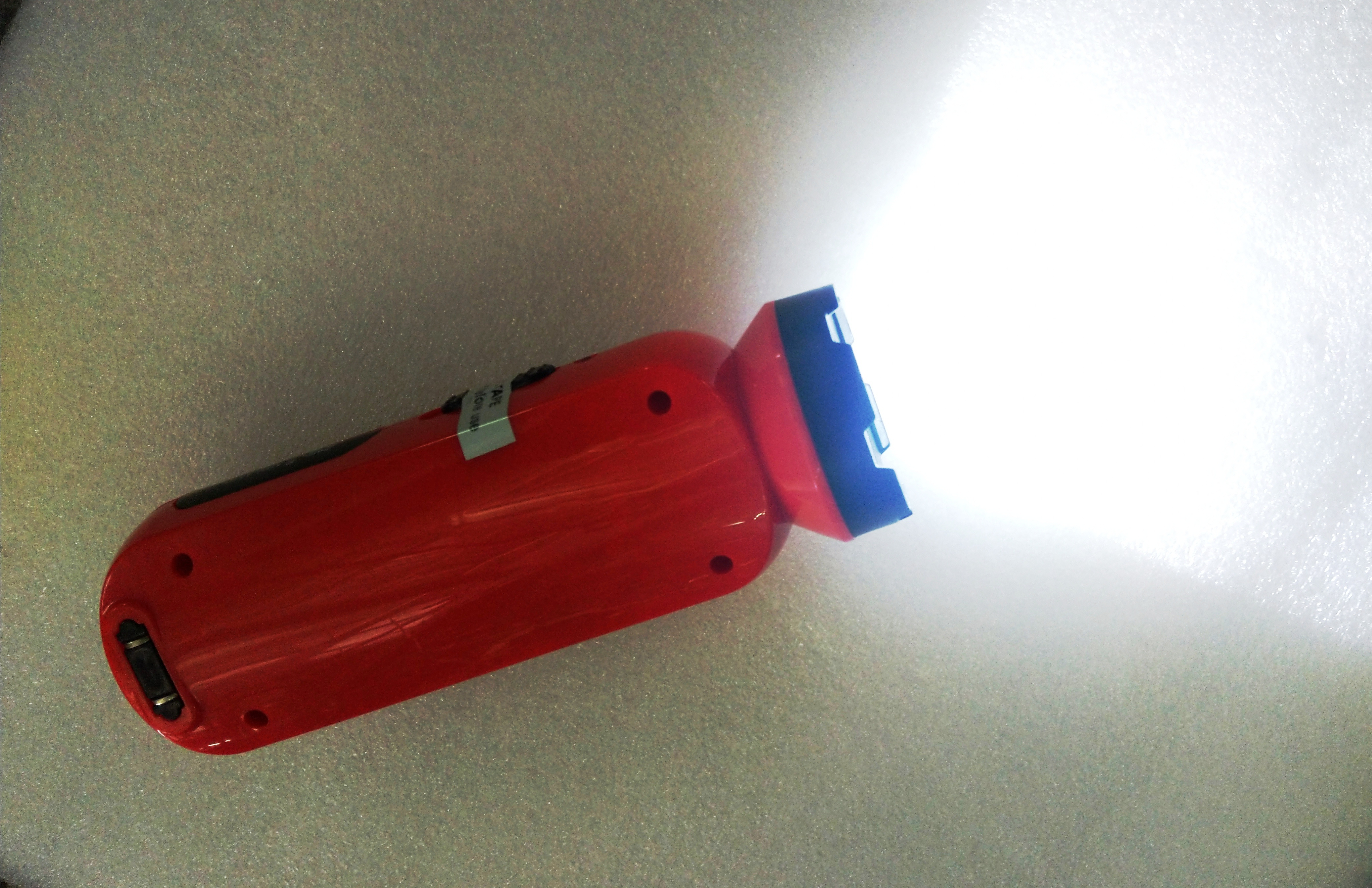 Đèn Pin Led sạc cầm tay MW-4110 - Giao màu ngẫu nhiên