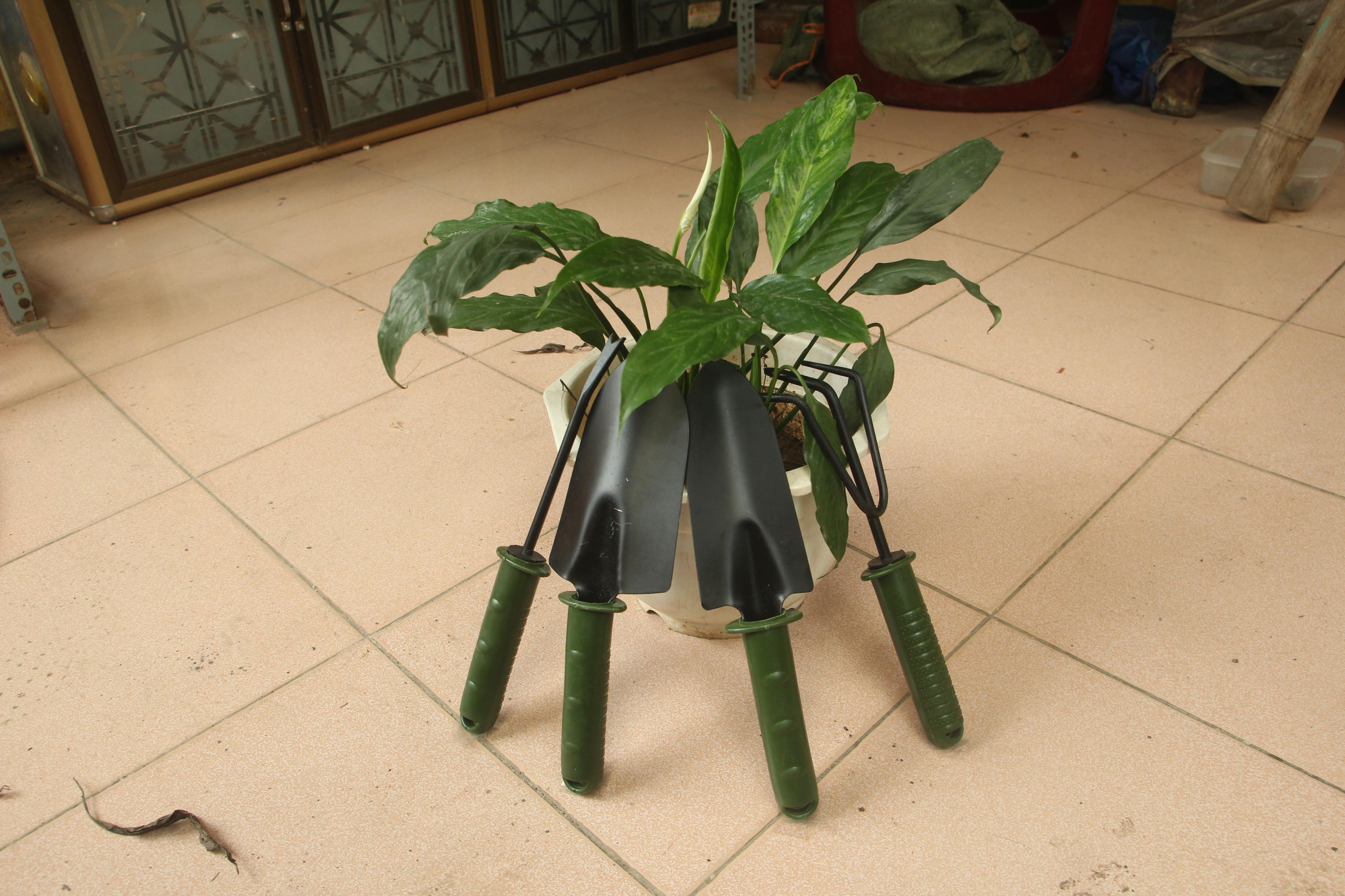 Bộ dụng cụ cuốc xẻng  làm vườn trồng cây  mini 4 chiếc sơn tĩnh điện