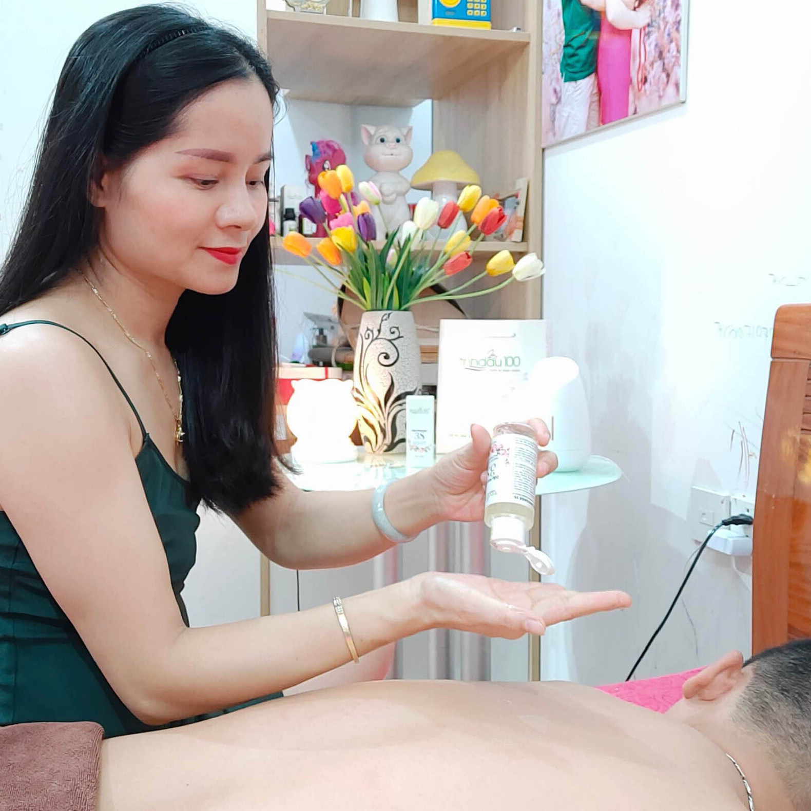 Dầu massage 3S.  Dành cho vợ chồng. Tặng thêm  video hướng dẫn Massage. Sử dụng ở gia đình hoặc mang đi du lịch rất tiện
