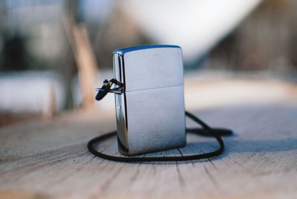 Bật Lửa Zippo Lossproof with Loop & Lanyard Brushed Chrome 275
