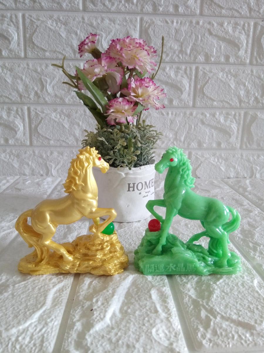Cặp ngựa phong thủy vờn ngọc châu đá poly xanh ngọc CNB10