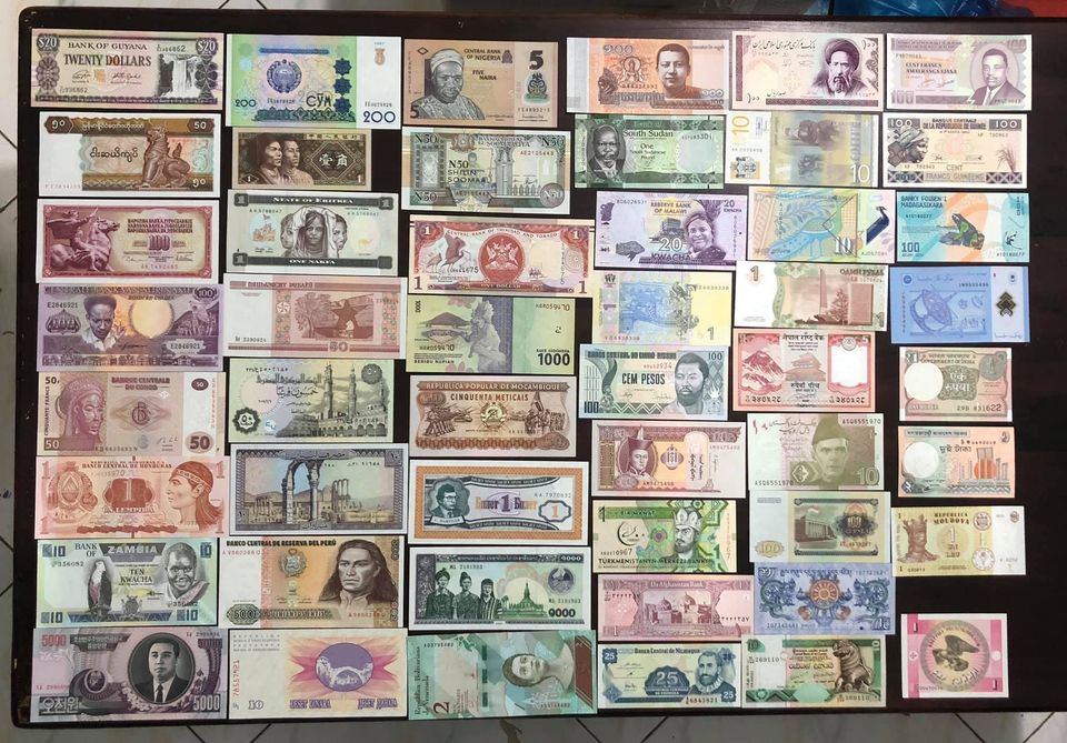 Combo 50 tờ tiền cổ thế giới khác nhau cảu 50 quốc gia