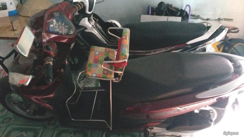 Ghế ngồi xe máy cho bé gắn xe Vision Click Mio có đai an toàn Greennetworks ( Màu sắc ngẫu nhiên )