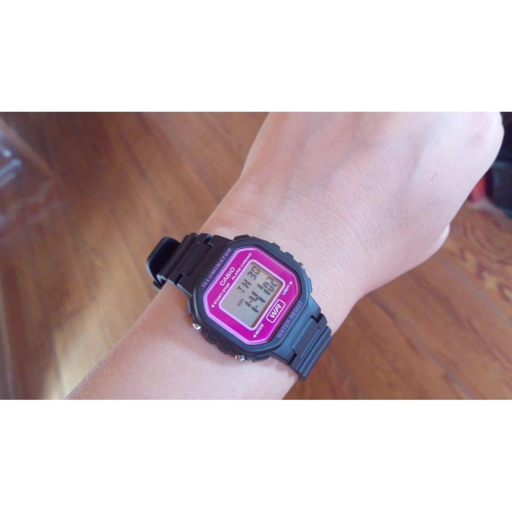Đồng hồ nữ dây nhựa Casio LA-20WH-4ADF
