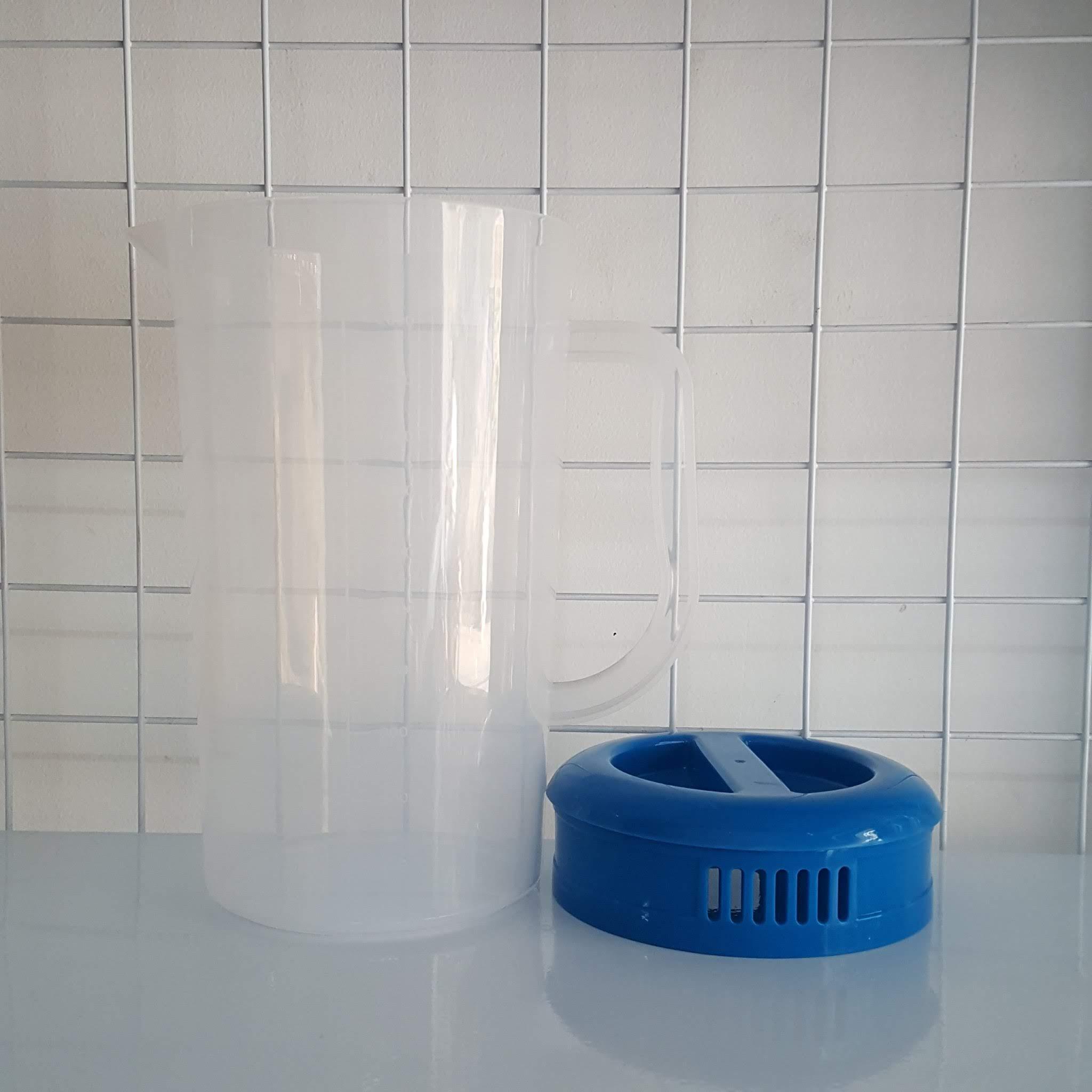 Ca đong nhựa có vạch chia dung tích 2 lít