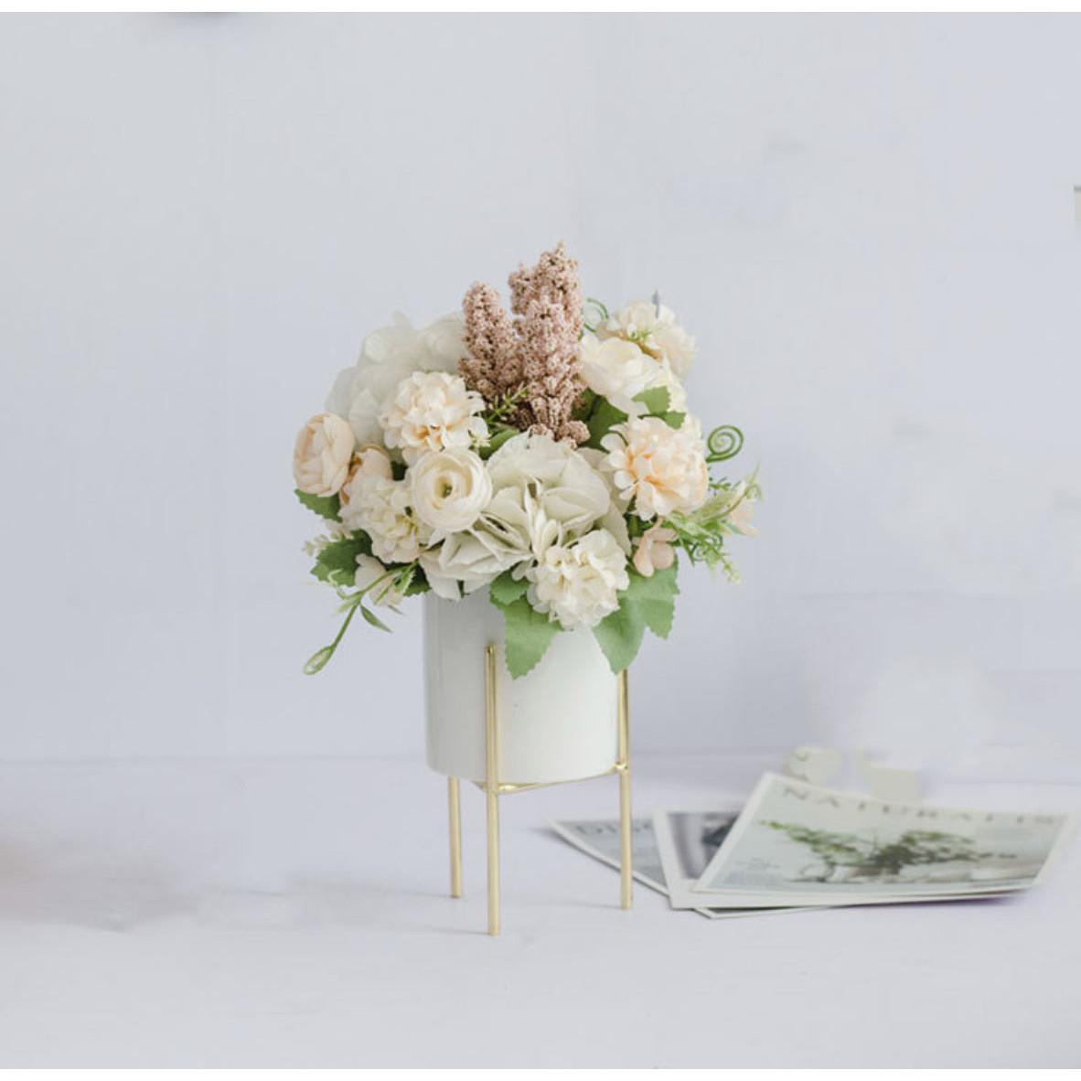 Chậu cây hoa giả hình trụ phong cách Bắc Âu kèm giá đỡ hoa cẩm tú cầu hoa hồng