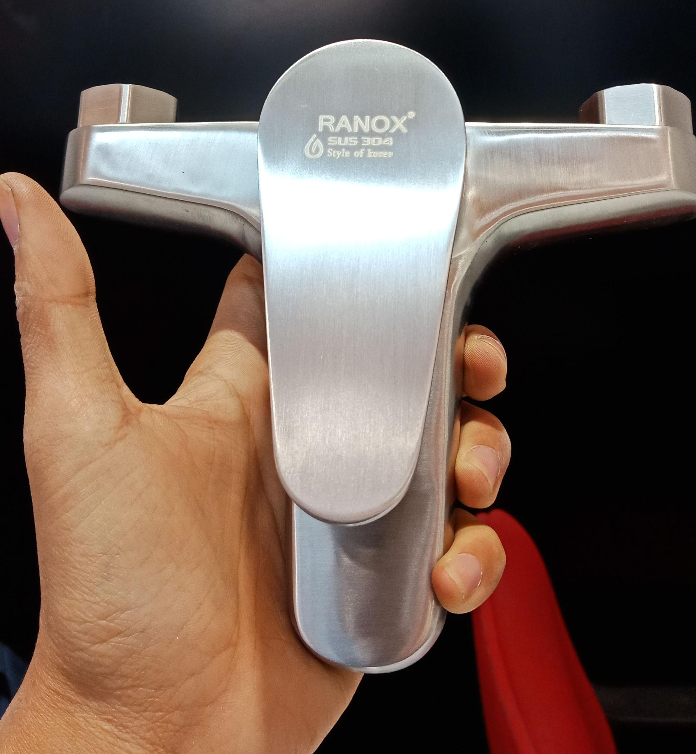 Củ sen tắm nóng lạnh cao câp RANOX