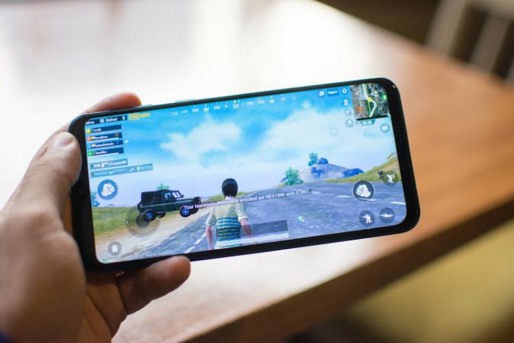 Chơi game trên điện thoại Samsung Galaxy M20 chính hãng