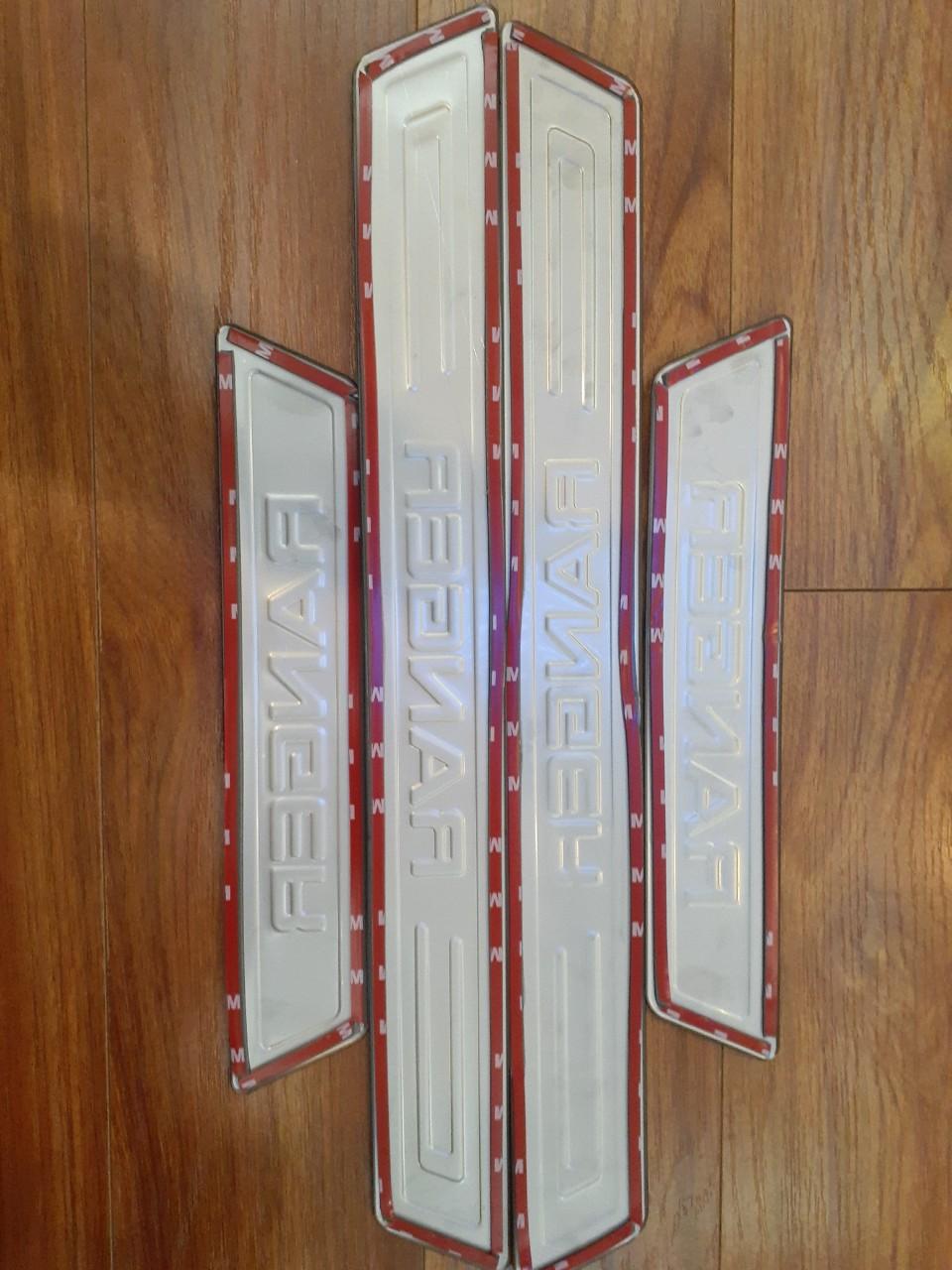 Bộ Ốp bậc cửa, Nẹp bước chân INOX dành cho xe Ford Ranger - Bên ngoài