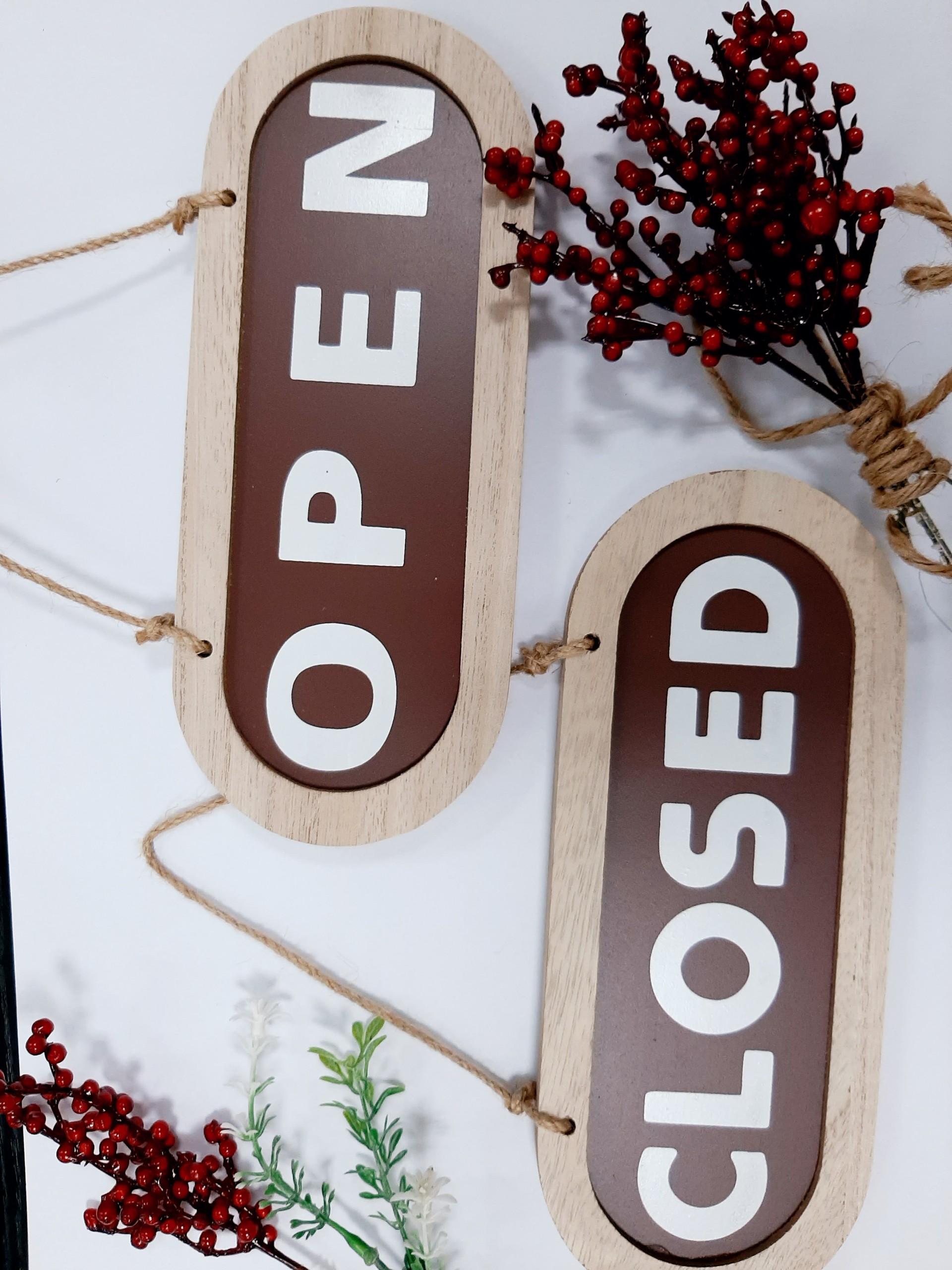 Bảng treo trang trí 2 mặt open/close bằng gỗ thanh lịch