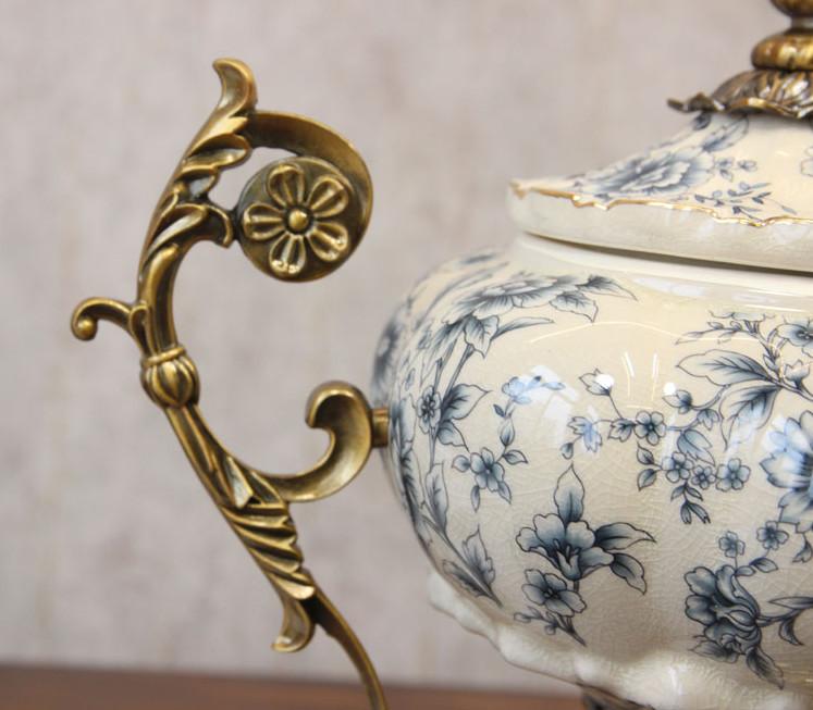 Bình trang trí tạo hình cup họa tiết hoa dùng để trang trí phong cách tân cổ điển sang trọng, đẳng cấp