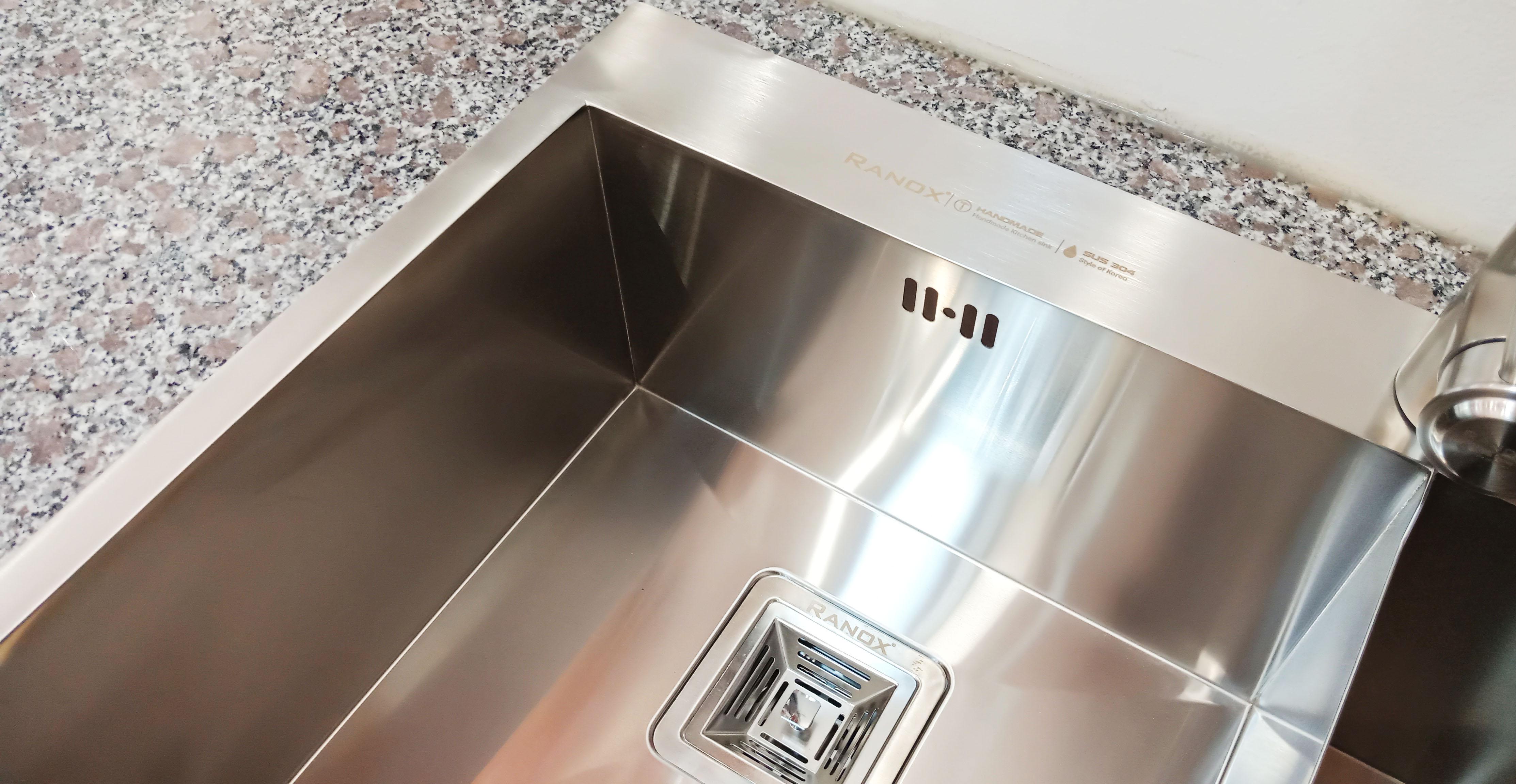 Bồn rửa bát inox Hàn Quốc vòi bát 3 đường nước RN44662