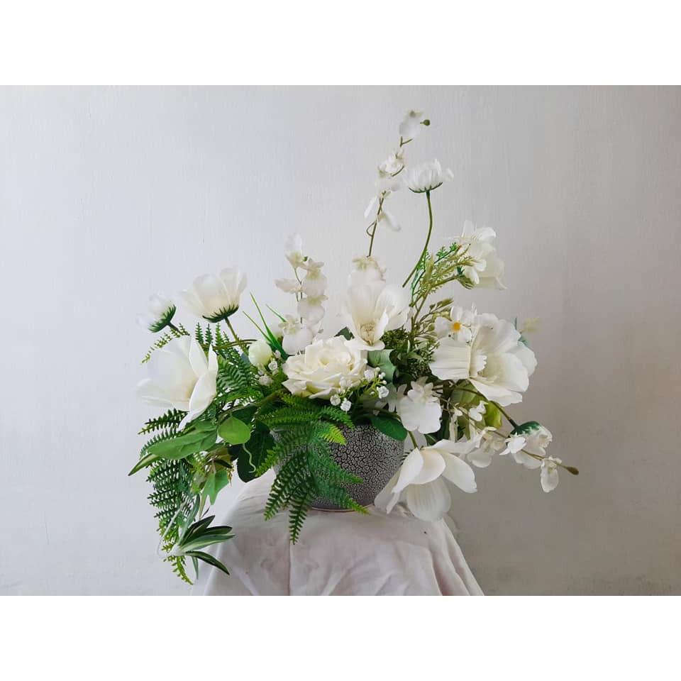 Lọ hoa Hạ trắng