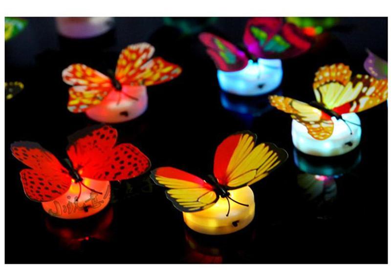 Bộ 05 bướm 3D có đèn phát sáng dán trang trí tường nhiều màu sắc - Màu ngẫu nhiên
