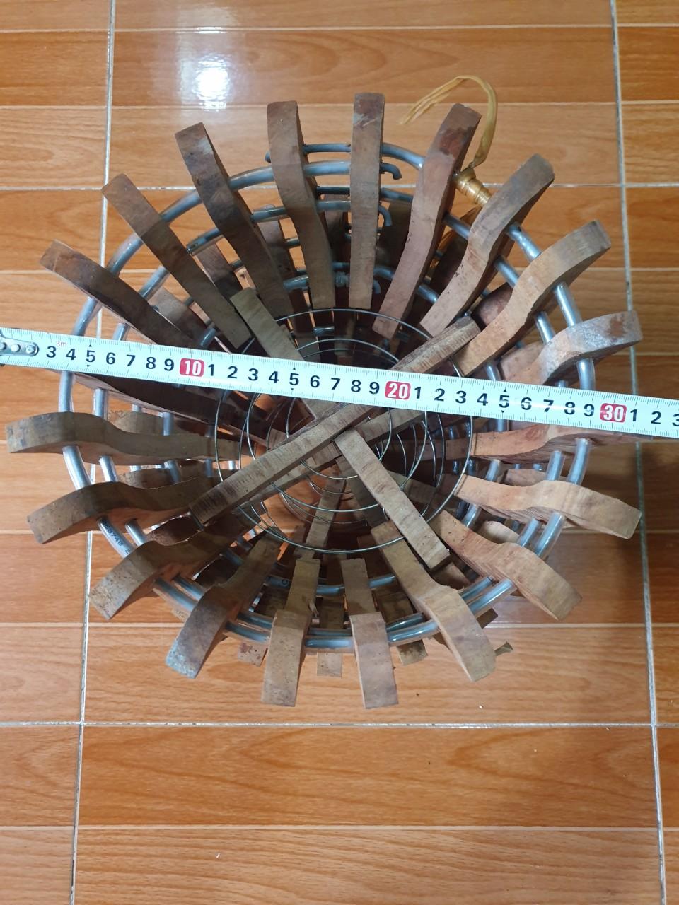 Chậu gỗ trồng lan  hình hoa sen, đường kính 30cm