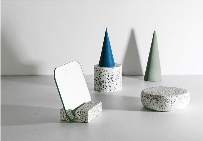 Gương để bàn Monote Terazo kèm đế giữ gương màu đá cao cấp