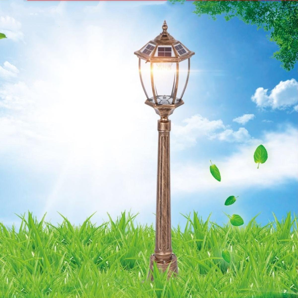 Đèn sân vườn năng lượng mặt trời chân cao L1C