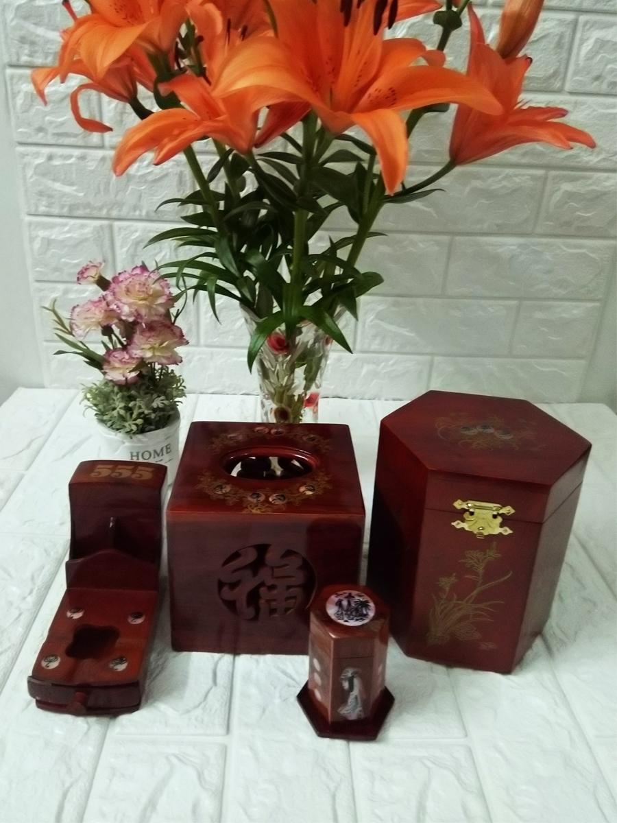 Bộ 4 món tiện ích bằng gỗ hương đỏ ,Hộp Trà lớn,gạt tàn,hộp tăm,hộp giấy vuông 4MGV01