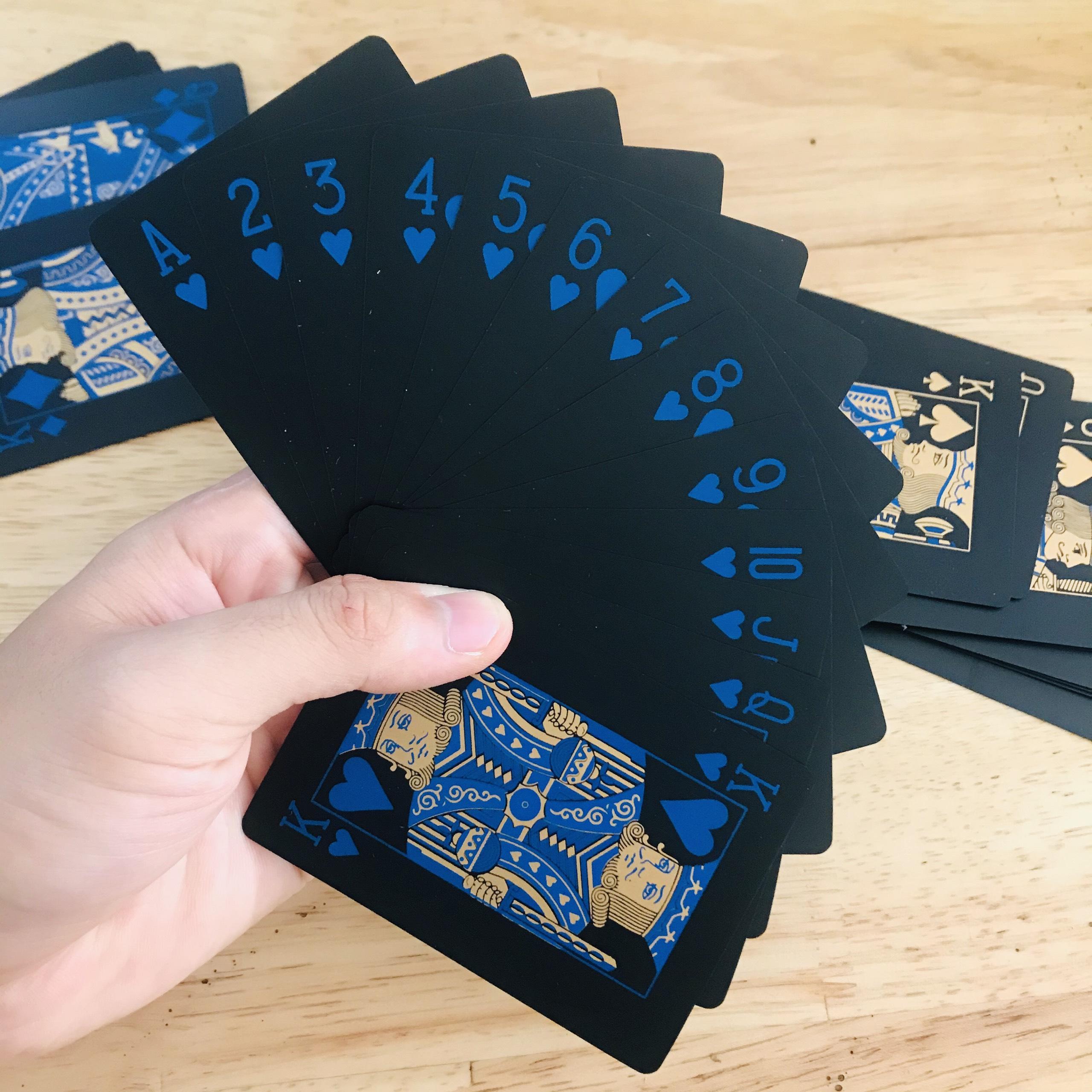 Bộ Bài Tây Poker Nền Đen Cao Cấp Chọn Màu – Bài Tây Nhựa PVC Chống Nước – Chính Hãng miDoctor