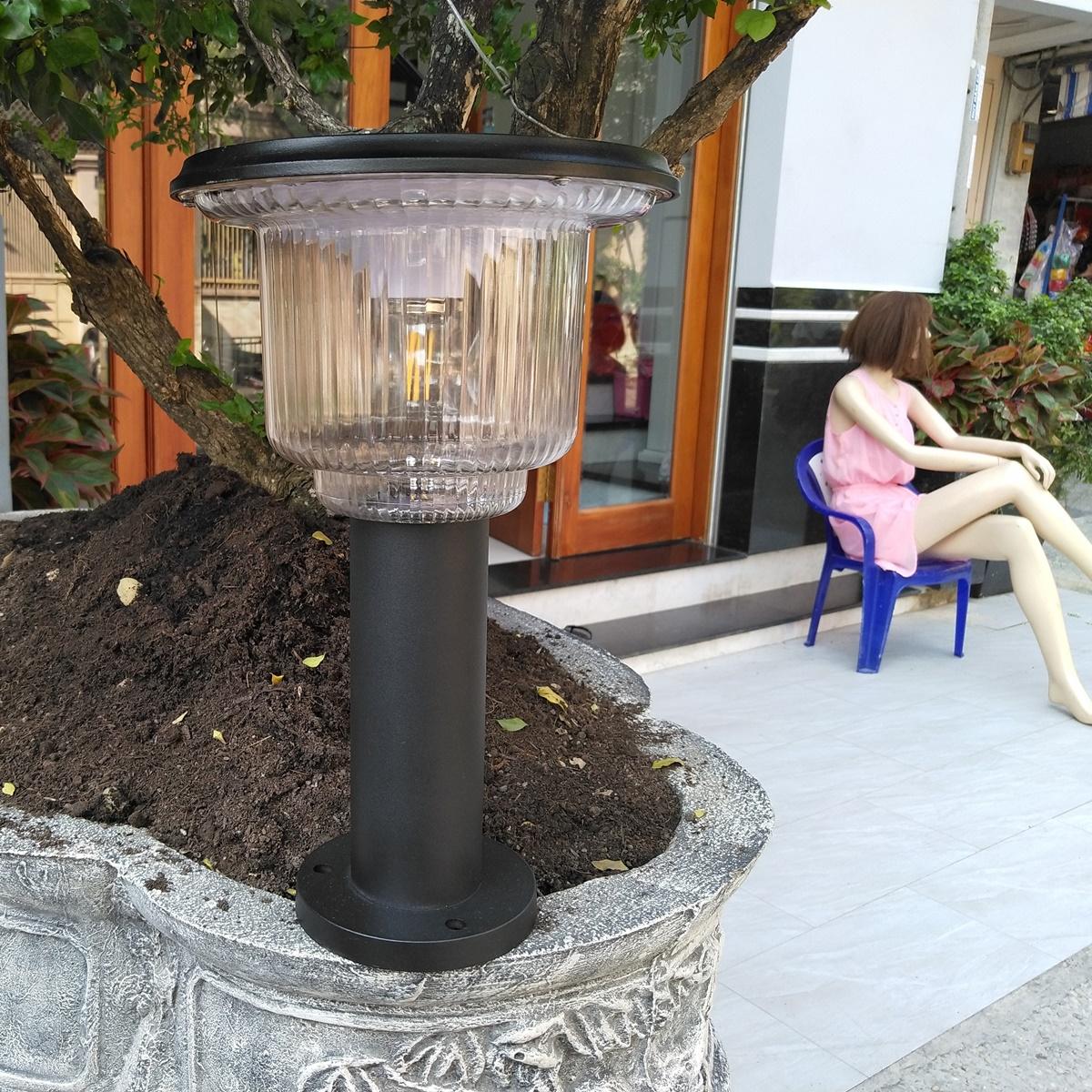 Đèn năng lượng mặt trời sân vườn có remote L1K