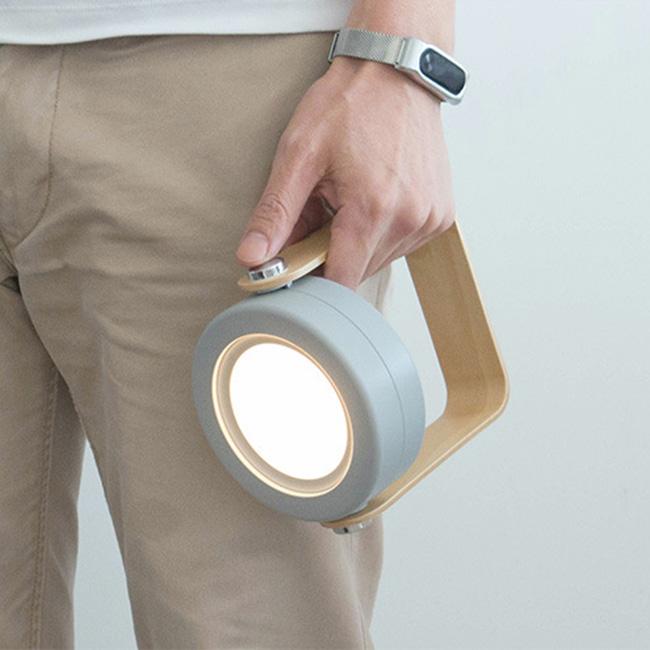 Đèn để bàn sạc USB