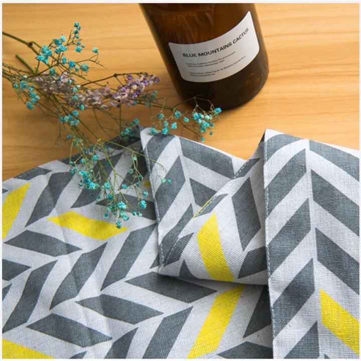 Khăn trải bàn table runner vải bố - Mũi tên cách điệu - mẫu F08